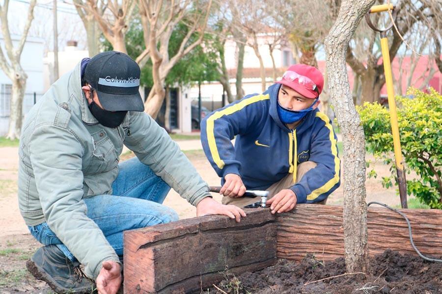 Recuperacion de viejas maderas de la zona portuaria