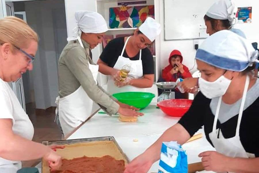 Brindaron talleres de formacion a grupos de trabajo cooperativos