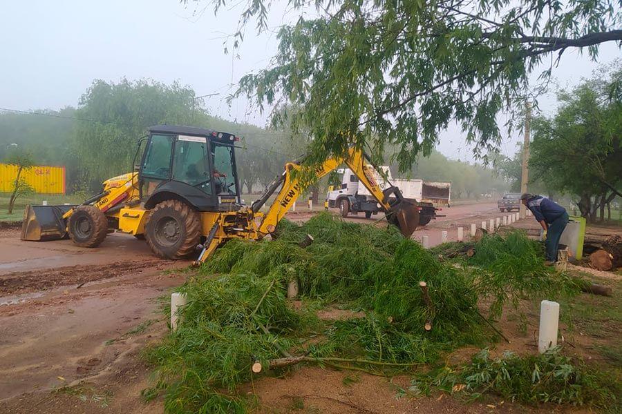 Se encaran intensos trabajos en toda la Ciudad luego de las lluvias
