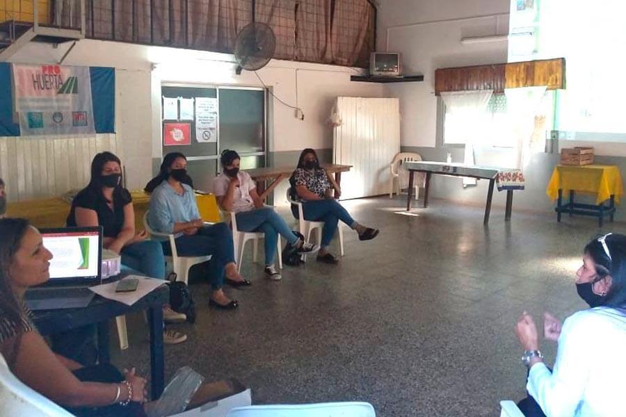 Se realizo una jornada con referentes educativas de sedes barriales