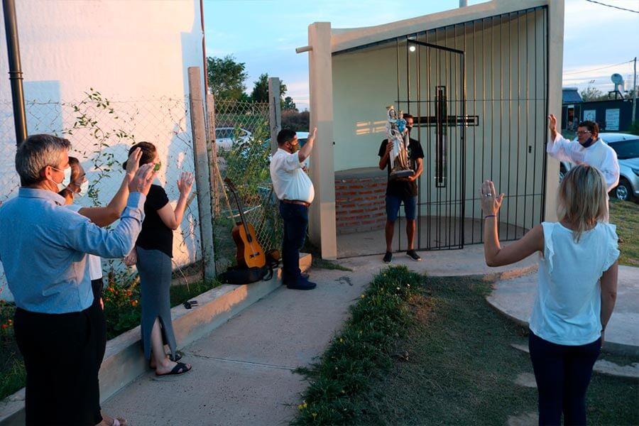 Placita en predio donado por vecinos
