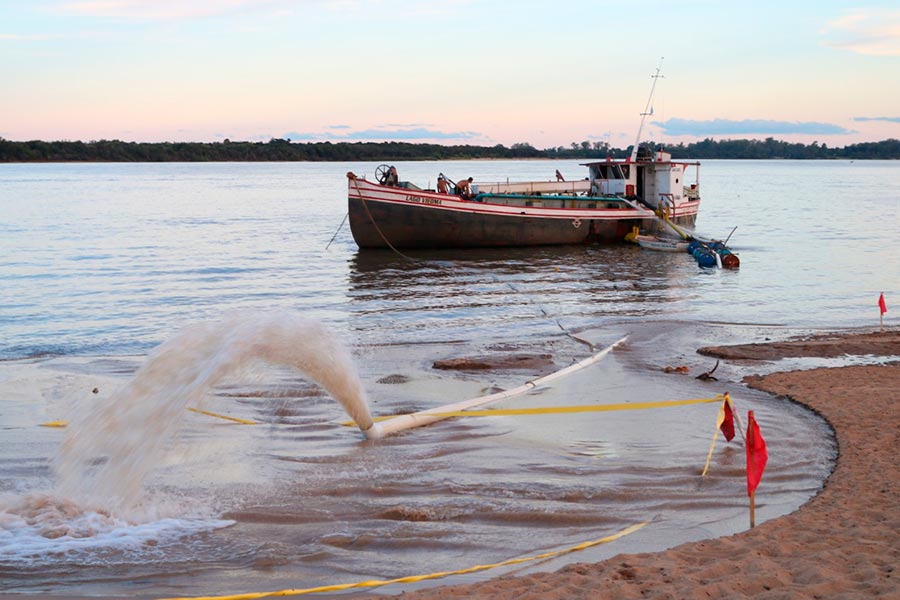 Reposición de arena en las playas de Colón