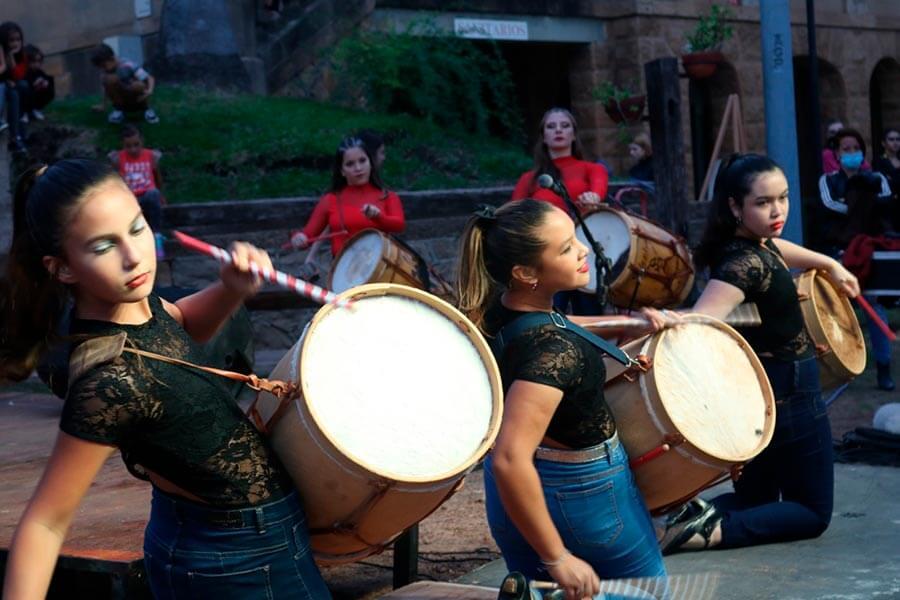 Junto a jóvenes de PECU cerraron las actividades del Mes de la Mujer
