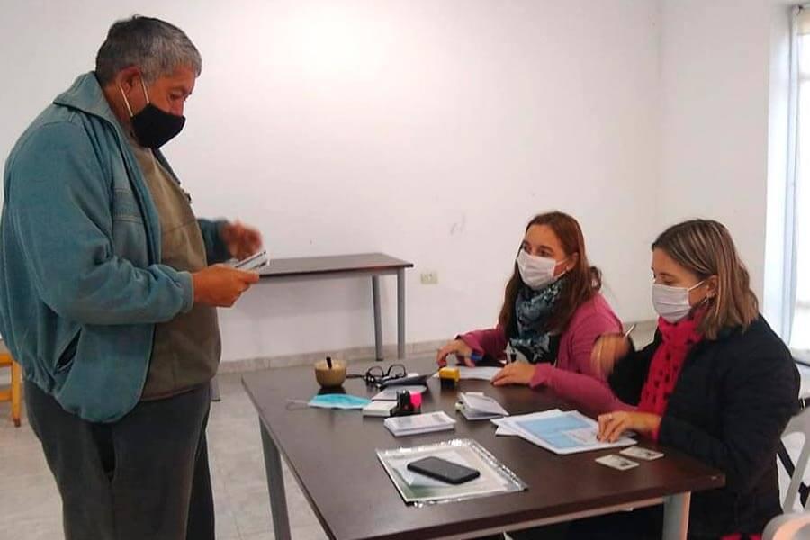 Continúa la vacunación contra Covid-19 en Colón