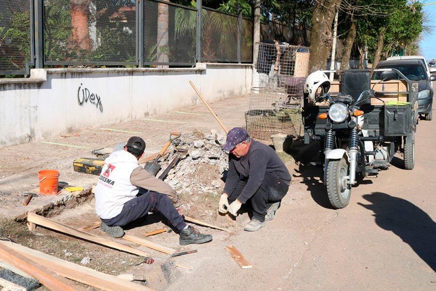 Se inició un plan para reponer, reparar y construir rampas en la Ciudad