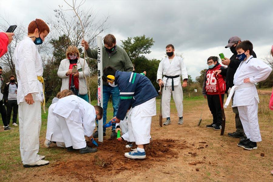 Se plantan árboles en la Reserva Sur de Colón