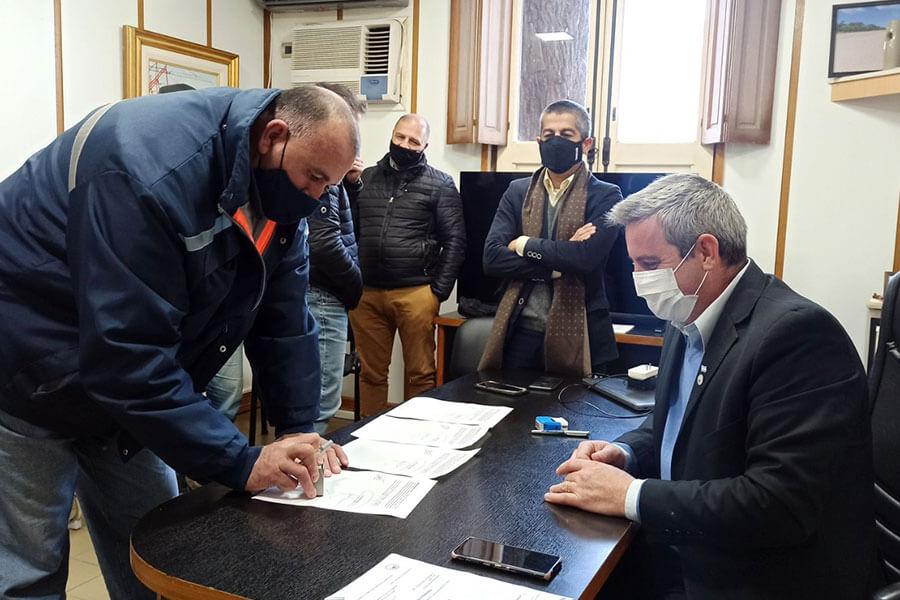 Se acordó en paritarias un aumento del 23% a los trabajadores municipales de Colón
