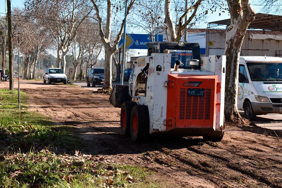 Se realizan tareas de limpieza y mejoras en los accesos a Colón