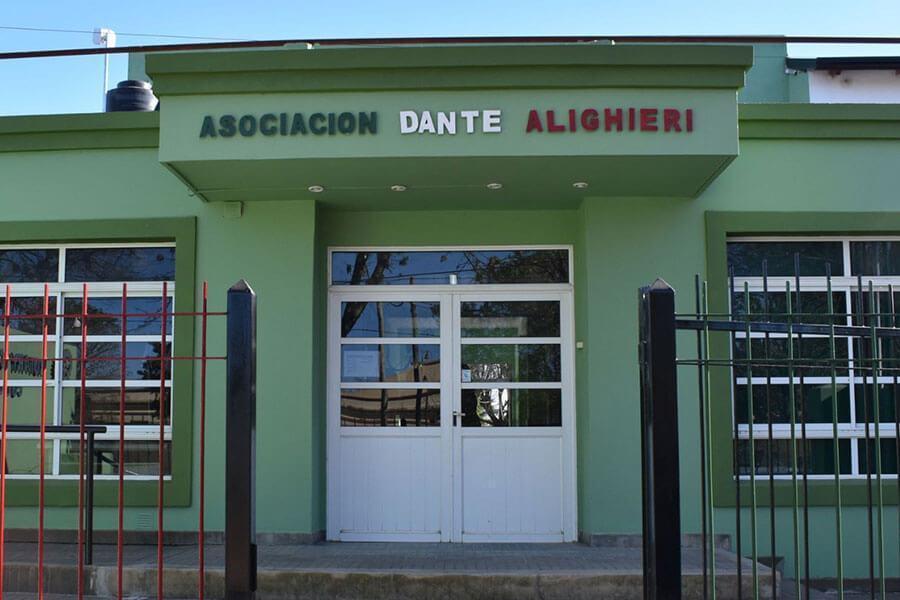 Se conmemoran los 700 años del fallecimiento de Dante Alighieri