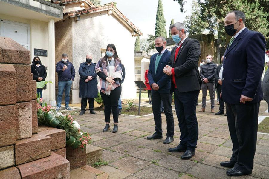 Fue presentado en Colón un programa camino al 150º aniversario del natalicio de Quirós