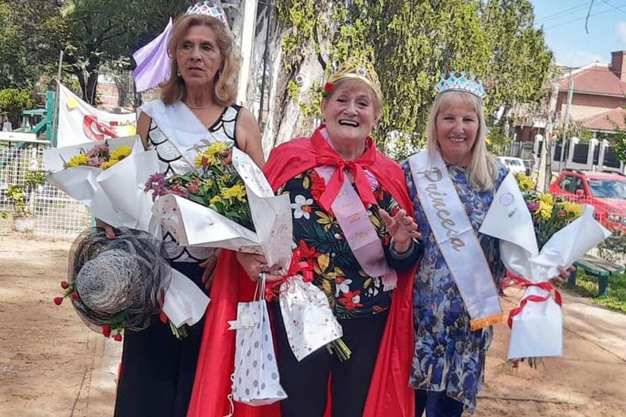 Los Adultos Mayores festejaron el día de la primavera y eligieron a la reina y el rey