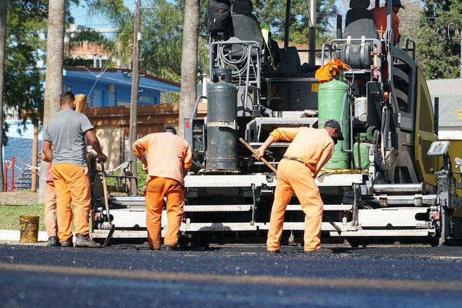 Se dio inicio al asfaltado en caliente del Boulevard Ferrari de Colón