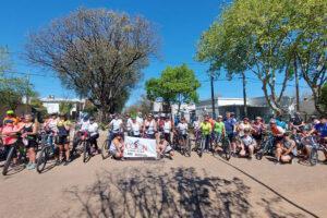 Se llevó a cabo la tercera bicicleteada recreativa, partieron desde la plaza Artigas en un recorrido que se realizó hasta Colonia Hughes.