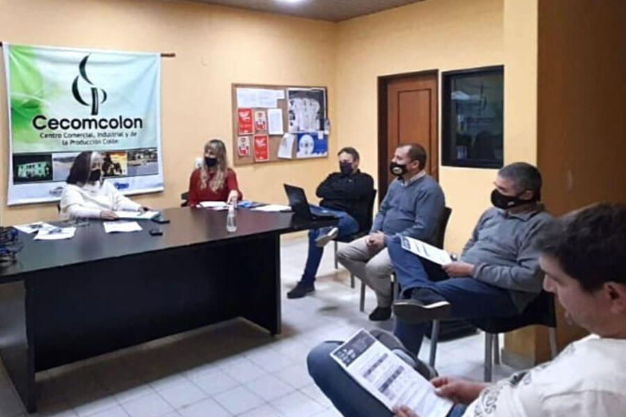 La Municipalidad de Colón presentó programas de empleo al Centro Comercial