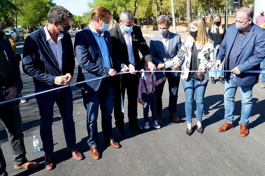 Se inauguró la primera etapa del asfaltado de Boulevard Ferrari de Colón